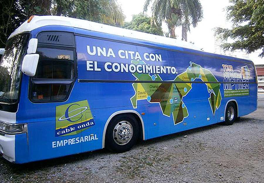 Bus con rotulación